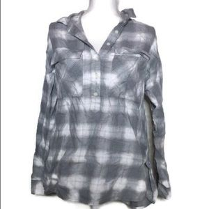 old navy gray plaid button up